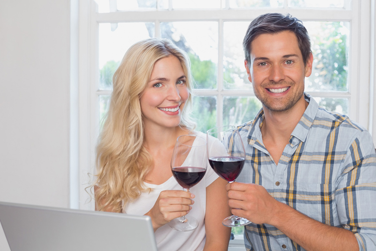 How Wine Drinking Affects the Teeth